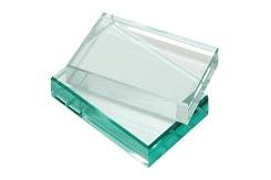 Abrasives Wasserstrahlschneiden von Glaswerkstoffen wie Panzerglas