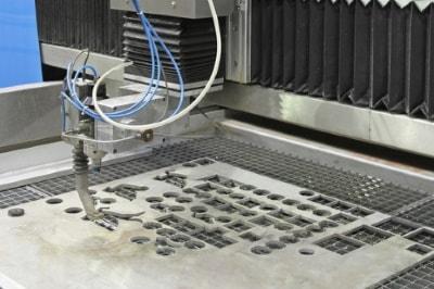 Maschinen für die Serienfertigung im Wasserstrahlschneiden
